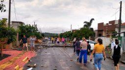 Reflexo do temporal: mais de 800 postes quebrados e 66 mil casas ainda sem energia