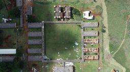 Seguranças filmam momento em que temporal arranca telhado da Unioeste, em Foz do Iguaçu