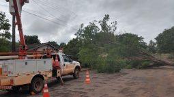 22 mil imóveis continuam sem energia elétrica no noroeste do Paraná
