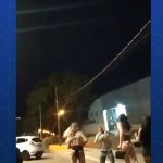 VÍDEO: policial federal é desarmado por grupo de travestis e perde dentes após coronhadas em Maringá
