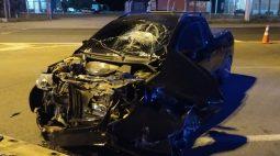 Motorista foge após se envolver em acidente que deixou motociclista gravemente ferido na BR-373