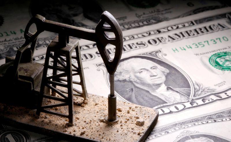 Preços do petróleo recuam na semana com preocupações de oferta e aumento de casos de Covid