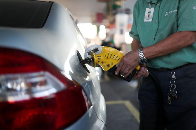 Diesel e gasolina sobem nos postos pela 2ª semana; etanol também avança, diz ANP