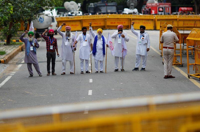 Agricultores voltam a protestar contra novas leis do setor na Índia