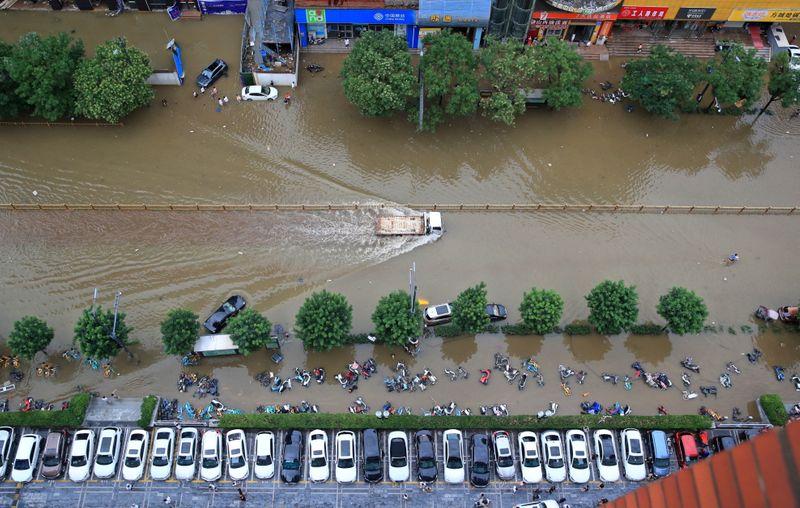Do carvão aos carros, enchentes na China causam desordem em cadeias de oferta