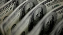 Dólar oscila em torno de R$5,20 com mercado atento a China em semana de Fed