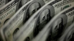 "Dólar recua ante real após Fed ""dovish"""
