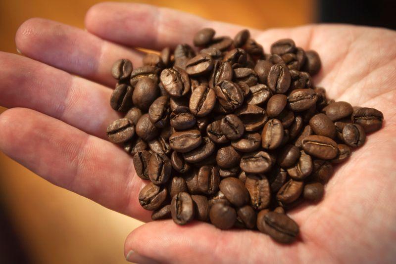 OIC eleva superávit global de café em 2020/21, mas indica aperto em 21/22