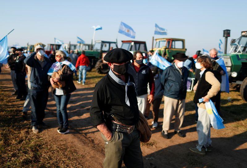 Setor agrícola da Argentina protesta contra intervenção do governo
