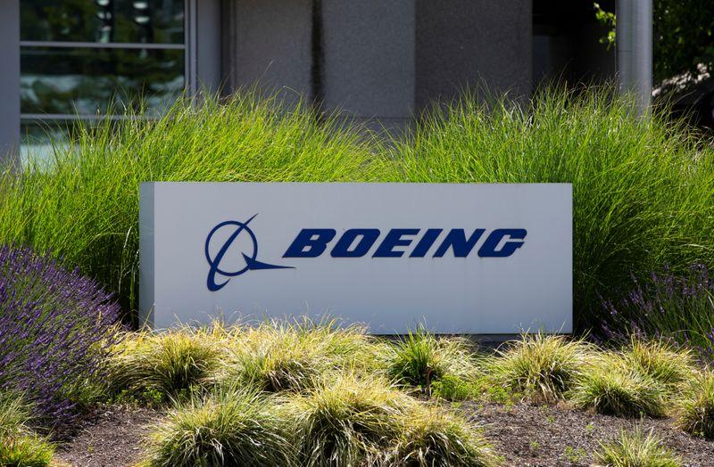Boeing e Transport Canada realizam testes de voo do 737 MAX, diz fonte