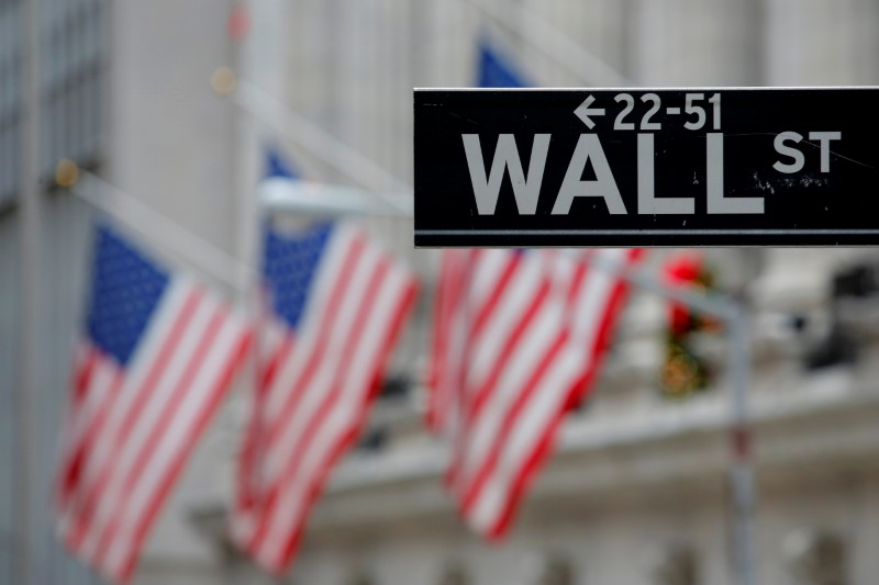 Wall St abre em alta com meta do Fed de inflação média de 2%
