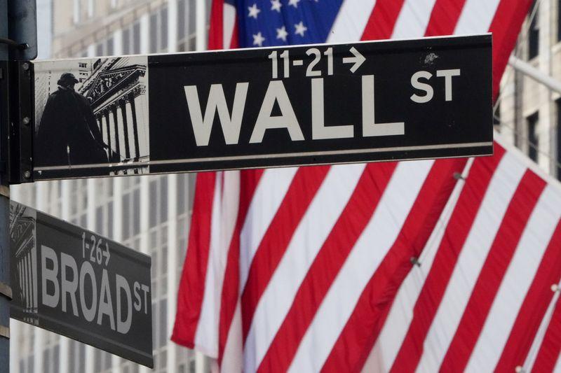 Wall Street sobe com meta de inflação média de 2% do Fed