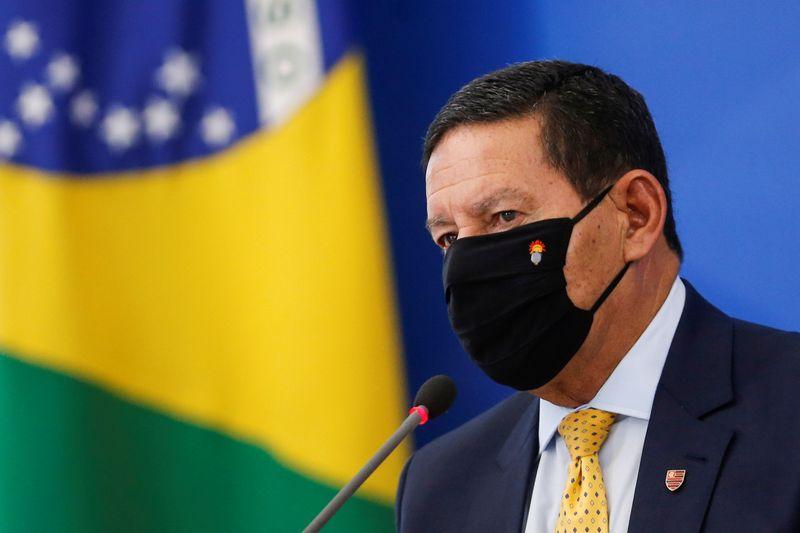 Brasil precisa tornar ambiente de negócios amigável ao investidor externo, defende Mourão