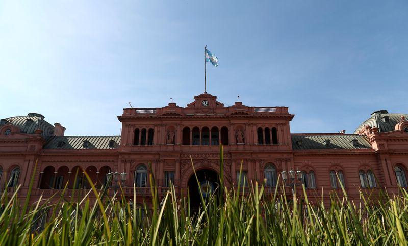 Acordo de dívida da Argentina deve ter alto apoio de credores e pouca resistência