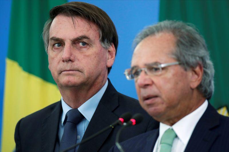 Ibovespa fecha agosto abaixo de 100 mil pontos, quadro fiscal impõe 1ª perda mensal desde março