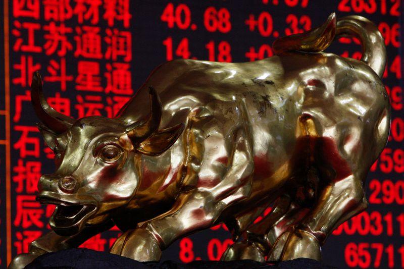 Mercado acionário da China sobe com dados econômicos positivos e esperanças de vacinas