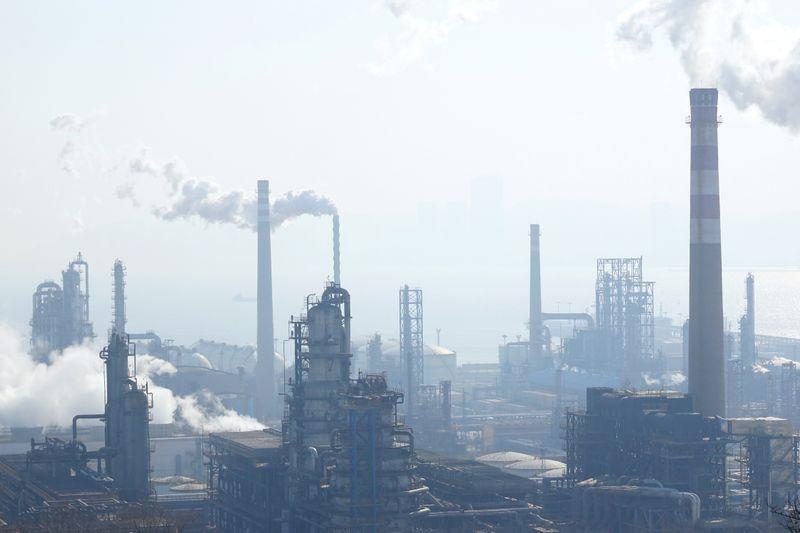 Refino de petróleo na China em agosto atinge segundo maior nível já registrado