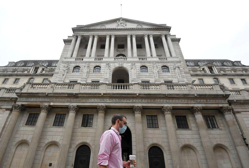 BC britânico vê sinais de recuperação mas estuda juros negativos