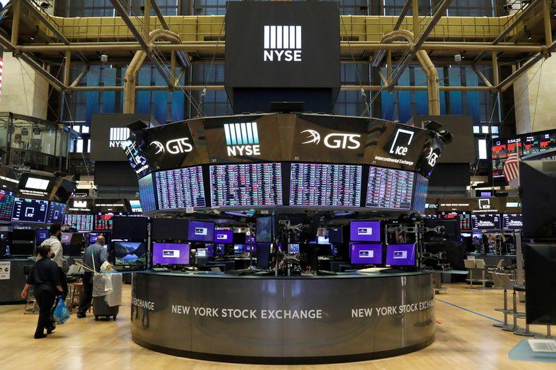 Wall St fecha em alta com ações de energia e financeiras liderando amplo rali