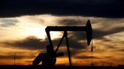 Tradings veem recuperação morna na demanda por petróleo e preços estáveis