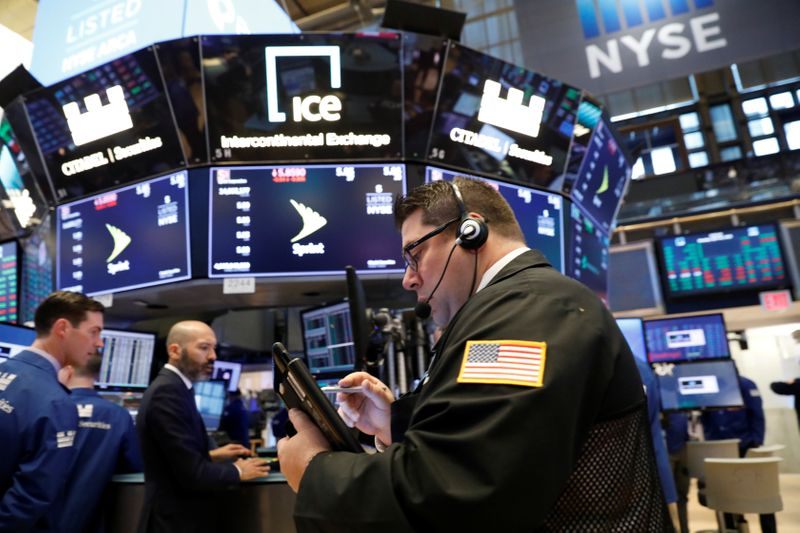 Wall Street fecha em alta com avanço de negociações para novo estímulo