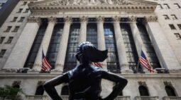 Wall Street encerra sessão volátil em alta com investidores de olho em estímulos