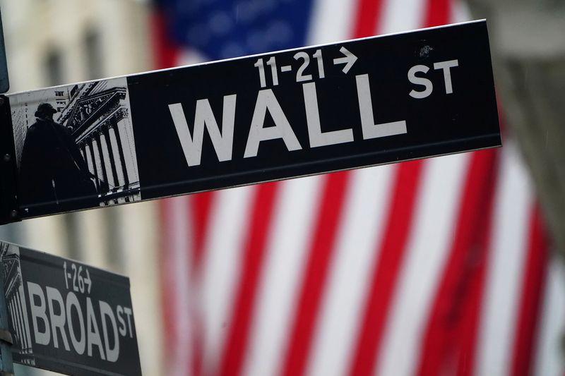 Futuros do S&P e Dow recuam antes de balanços de bancos e Johnson & Johnson