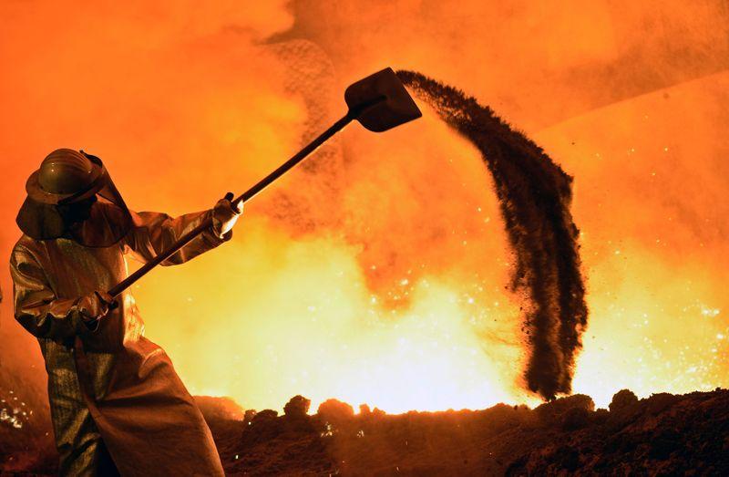 CSN e Usiminas aumentam preços de aço para entrega em novembro, diz BTG Pactual