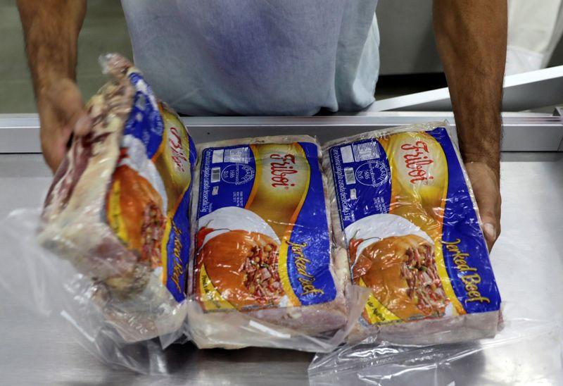 Brasil está produzindo mais carne usando menos terra, diz presidente da JBS