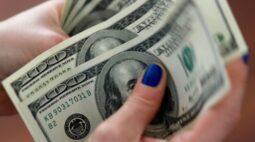 Dólar engata queda de olho em disseminação da Covid-19 e expectativa de estímulo nos EUA