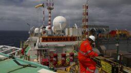 Petrobras eleva produção no 3º tri, sobe meta para 2020 e vê melhora em derivados