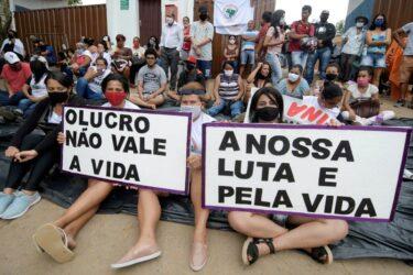 Manifestantes encerram protesto em sede da Vale em Brumadinho