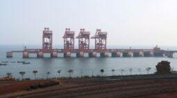 Minério de ferro recua pela 2ª semana na China por aumento nos estoques