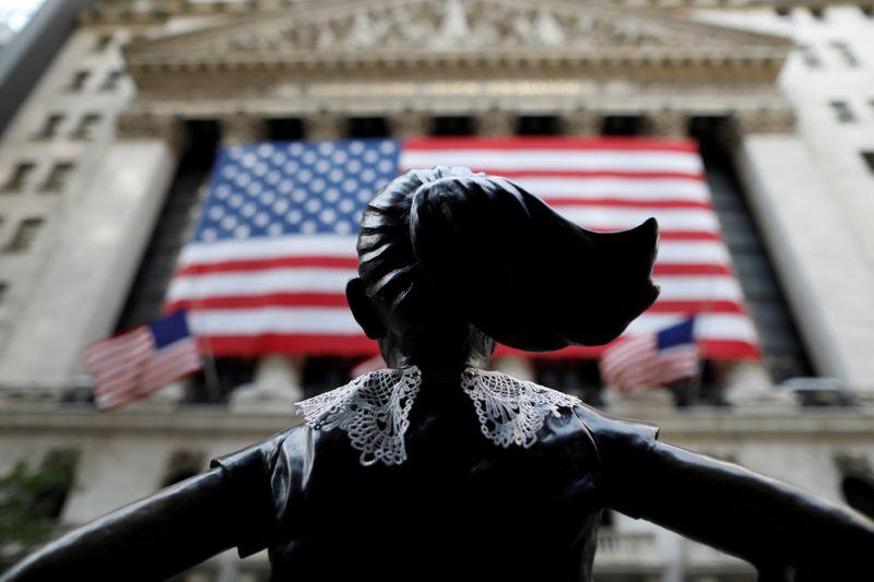 S&P 500 e Dow Jones recuam sob preocupações com balanços e perspectivas de estímulo nos EUA