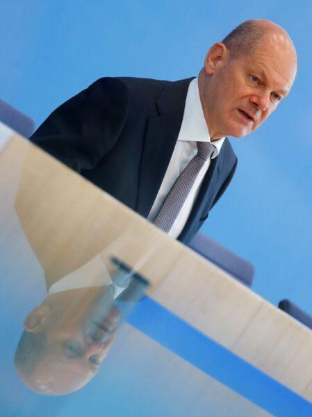 """Ministro das Finanças da Alemanha diz que novembro é """"mês da verdade"""" na luta contra coronavírus"""