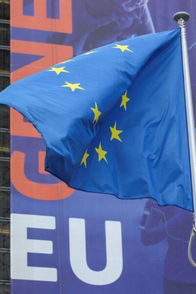 UE está confiante em encontrar solução para bloqueio de orçamento e fundo de recuperação