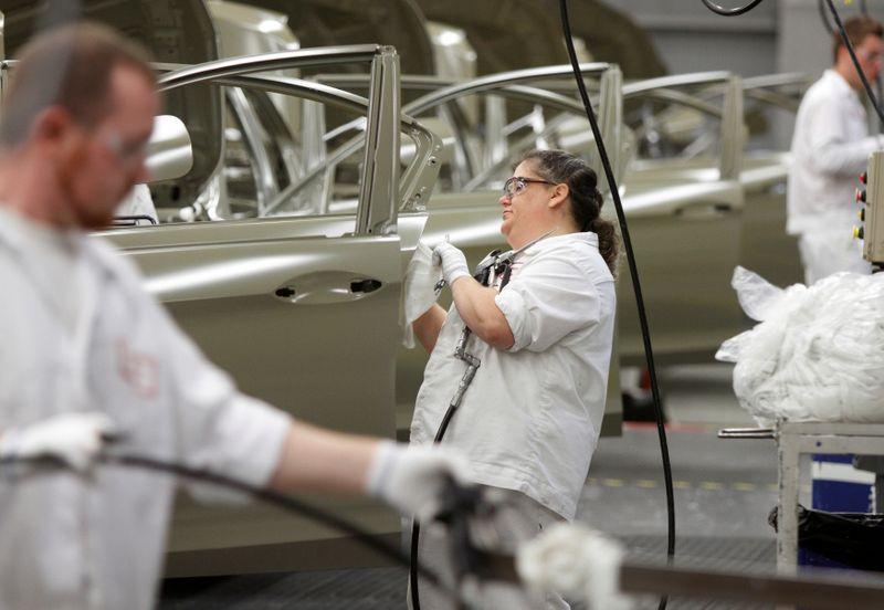 Produção manufatureira dos EUA acelera em outubro