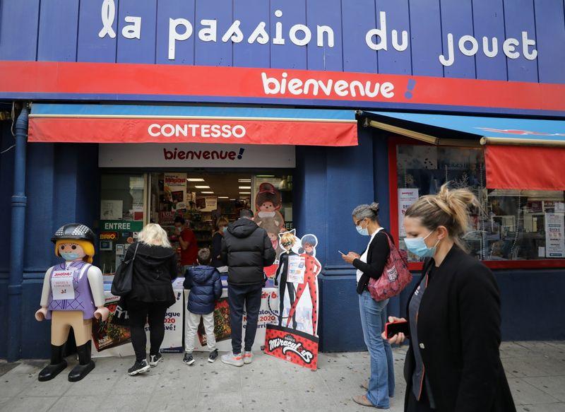 Economia francesa deve recuar de 9% a 10% este ano, diz agência de estatísticas