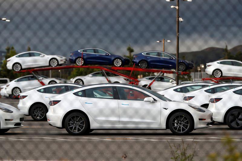 Tesla, Uber e outras empresas criam grupo de lobby para acelerar indústria de elétricos nos EUA