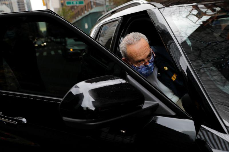 Principal senador democrata diz que líder republicano concordou em retomar negociações sobre estímulo nos EUA