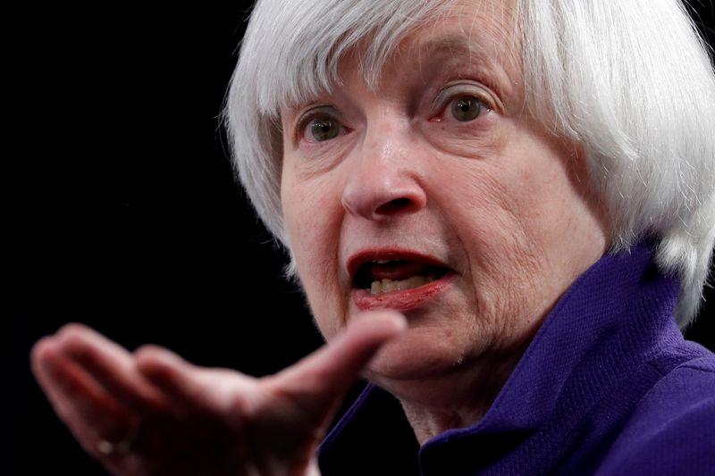 Biden deve escolher Yellen como 1ª mulher no comando do Tesouro dos EUA, dizem aliados