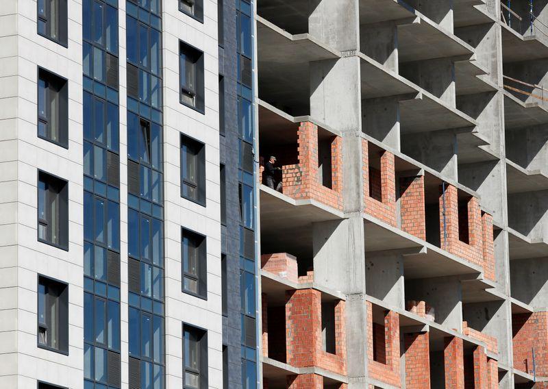 Financiamento imobiliário dispara 84% em outubro e bate recorde, diz Abecip