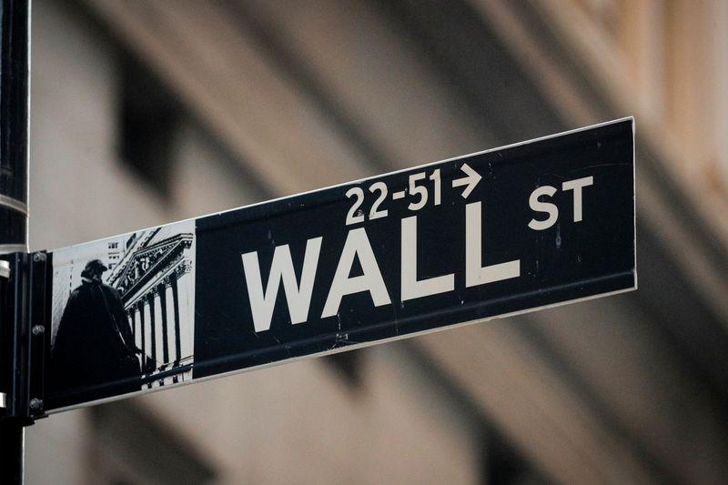 S&P 500 e Dow Jones caem por desaceleração do mercado de trabalho
