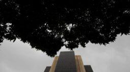 BC está relativamente tranquilo com inflação, não olha curto prazo, diz Campos Neto