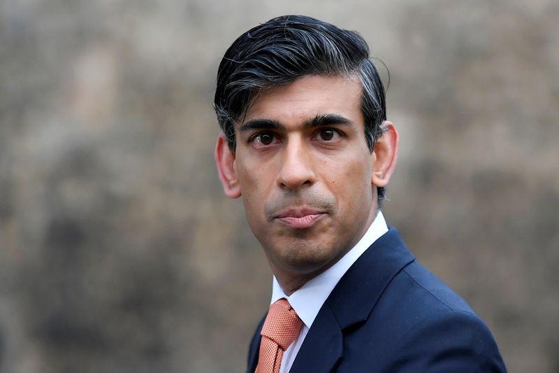 """Ministro britânico diz que finanças públicas estão em trajetória """"insustentável"""""""
