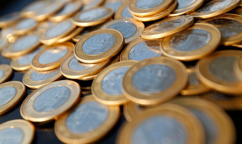 Déficit primário vem melhor que o esperado em outubro, Tesouro renova apelo por reformas
