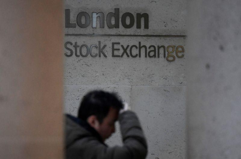Ações europeias caem com foco em danos econômicos da Covid-19