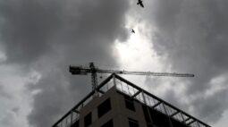 Financiamento imobiliario dispara, mas alta de juros e desemprego são alerta para bancos
