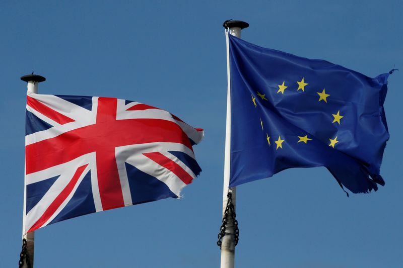 UE diz a Johnson para tomar decisão enquanto tempo se esgota para acordo do Brexit