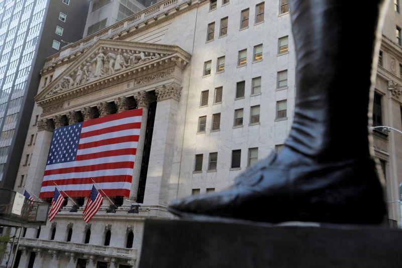 S&P 500 e Dow rondam máximas recordes com alívio fiscal e otimismo sobre vacinas